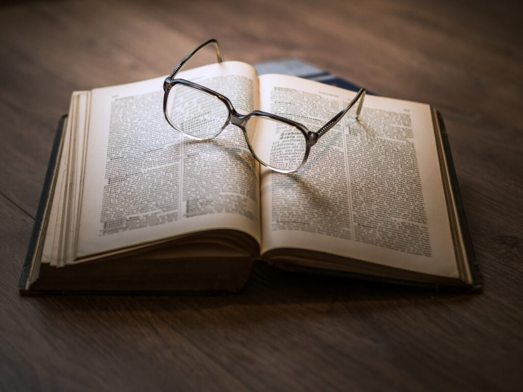 how-to-get-paid-to-read-books-simple-ways